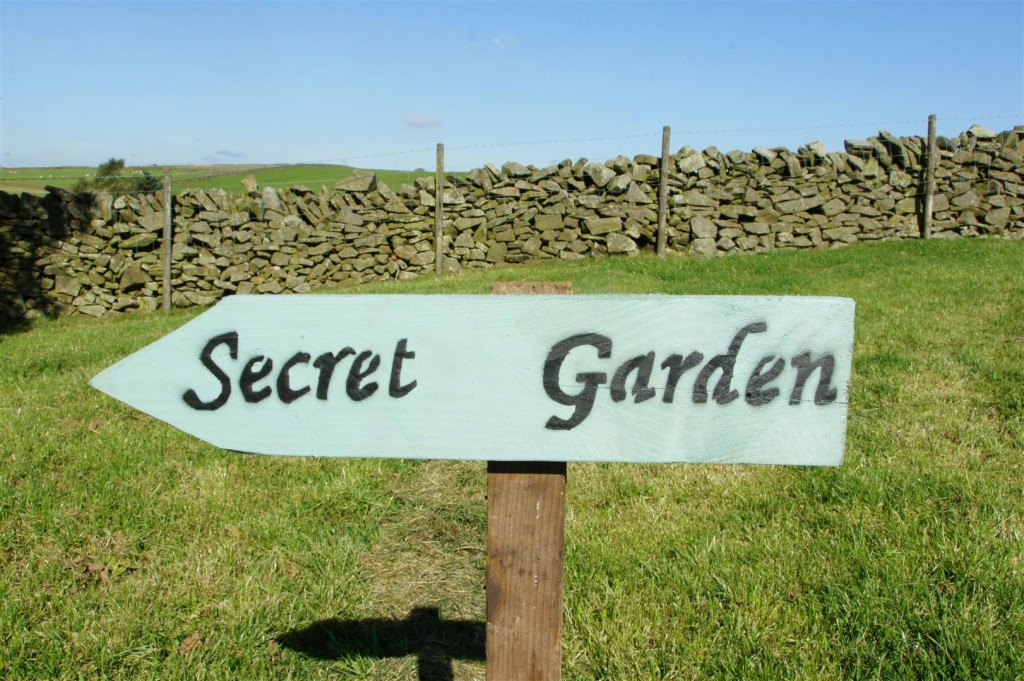 The way to the 'Secret Garden'